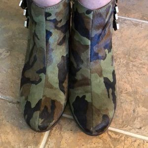 Sam Edelman camouflage boots size 7